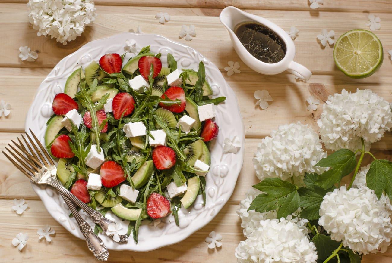 Insalata di kiwi, fragole e tofu