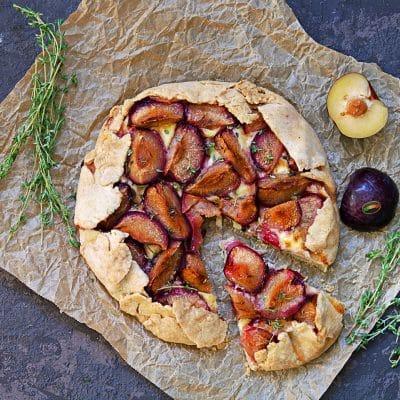 Torta salata al brie e susine Solarelli
