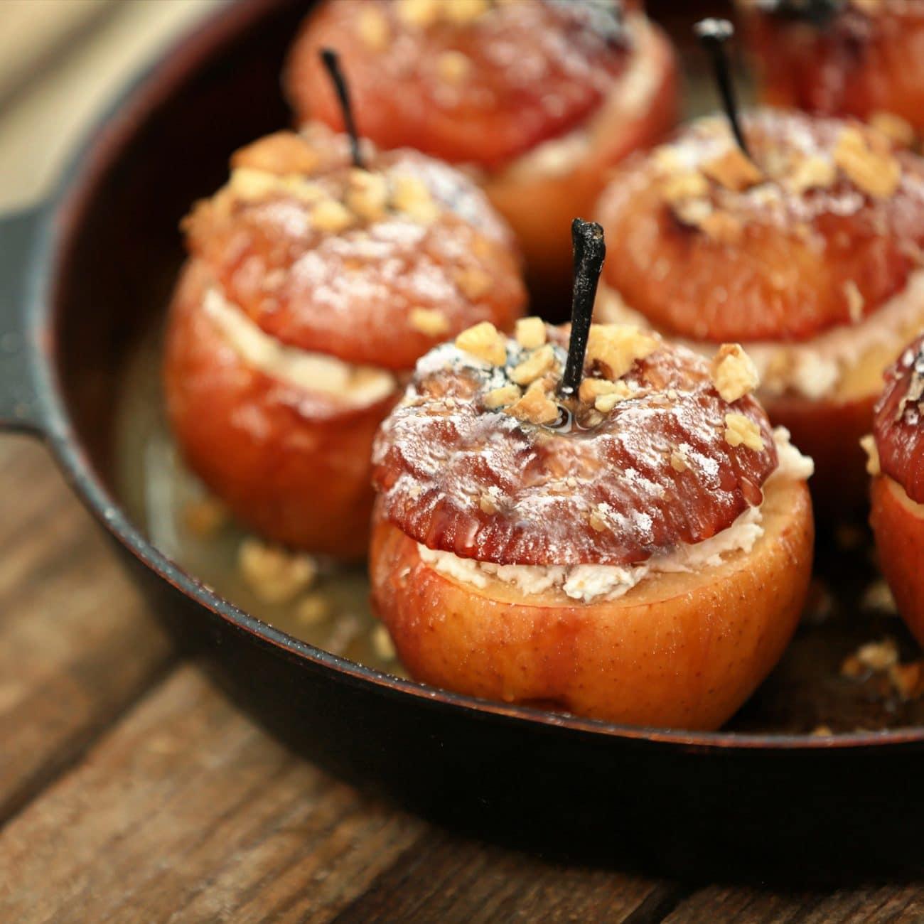 Mele Gala Solarelli al forno con ricotta, uvetta, cannella e noci
